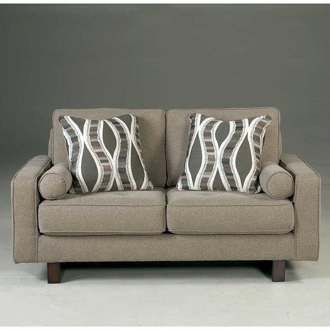 Treylan Smoke Loveseat