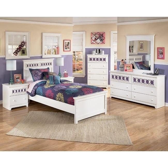 Zayley Panel Bedroom Set