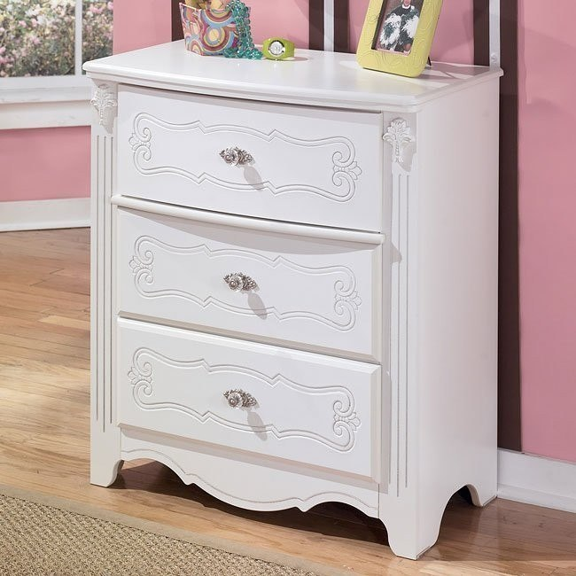 Exquisite 3-Drawer Chest