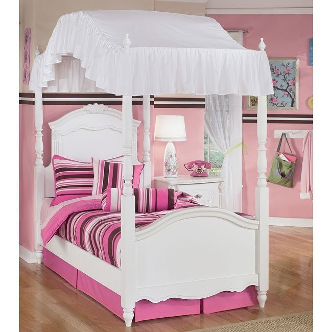 Exquisite Canopy Bed