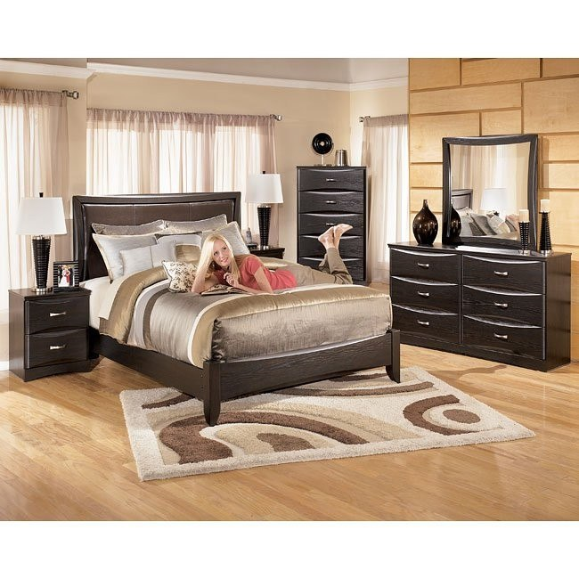 Ellenton Panel Bedroom Set