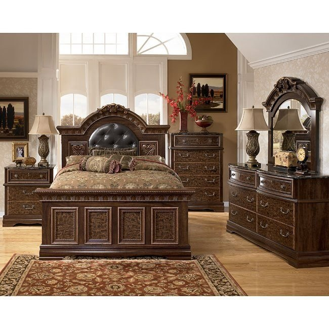 Southerland Shire Mansion Bedroom Set