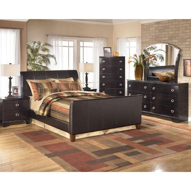 Pinella Bedroom Set
