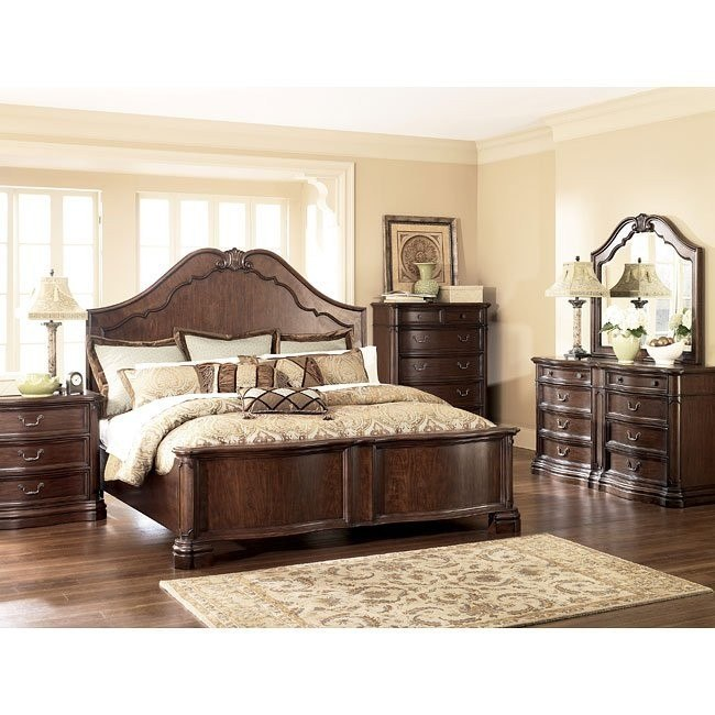 Camilla Panel Bedroom Set