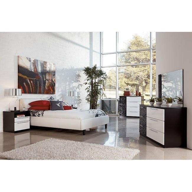 Piroska Bedroom Set w/ Jansey Bed