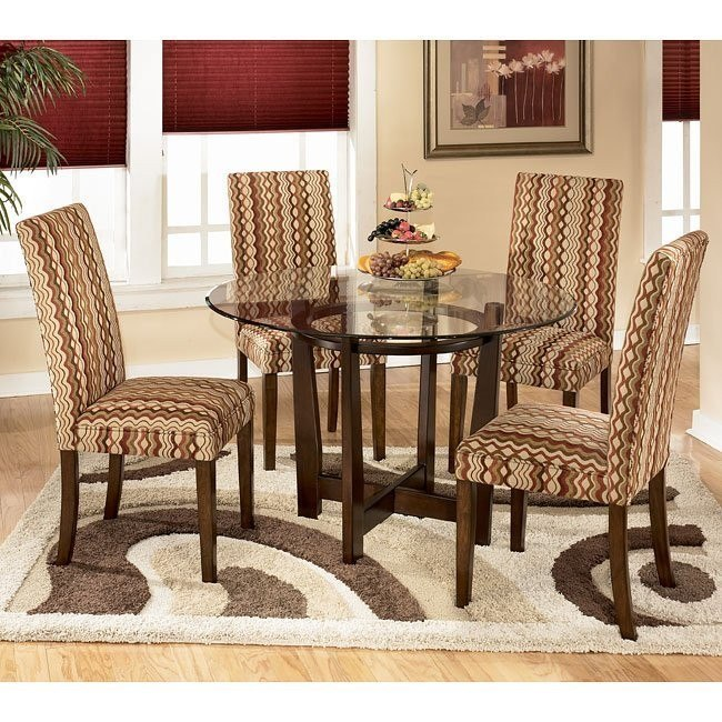 Charrell Round Dinette with Sangria Chairs