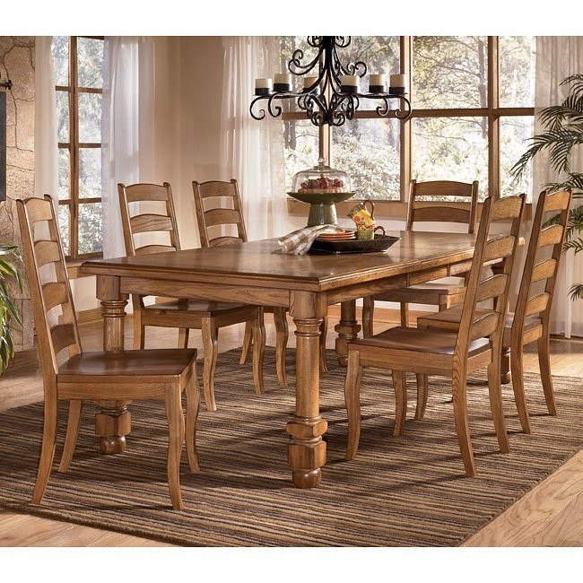 Holfield Rectangular Dining Room Set