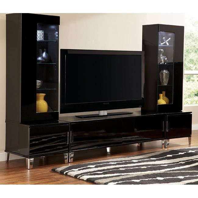 Howick Large TV Stand w/ Piers