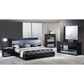 Weeki Poster Bedroom Set By Signature Design By Ashley 3
