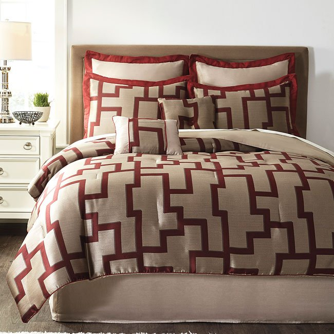 Aiza Wine Bedding Set By Signature Design By Ashley