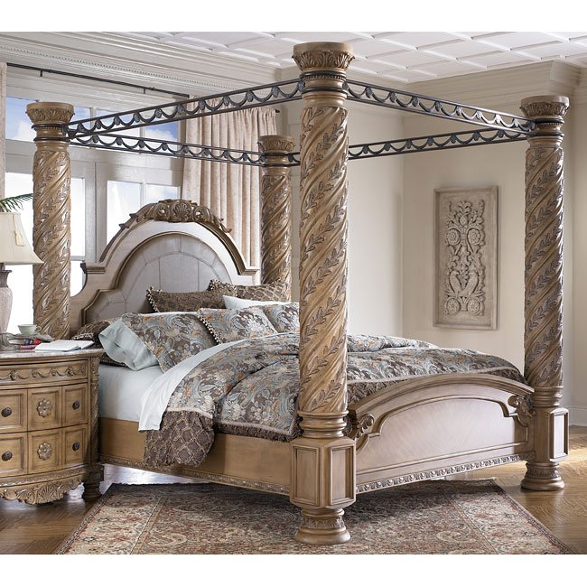 South Coast Poster Canopy Bed California King