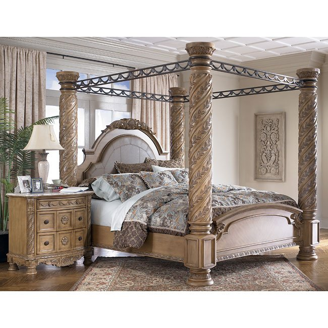 South Coast Poster Canopy Bed Signature