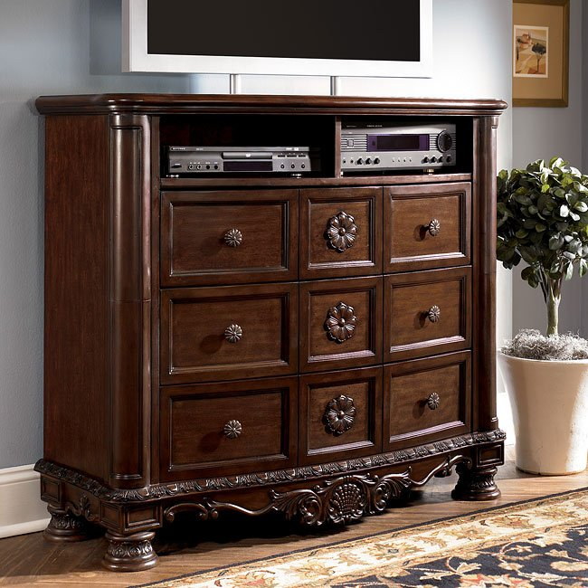 on sale 1a758 e2401 North Shore Media Chest