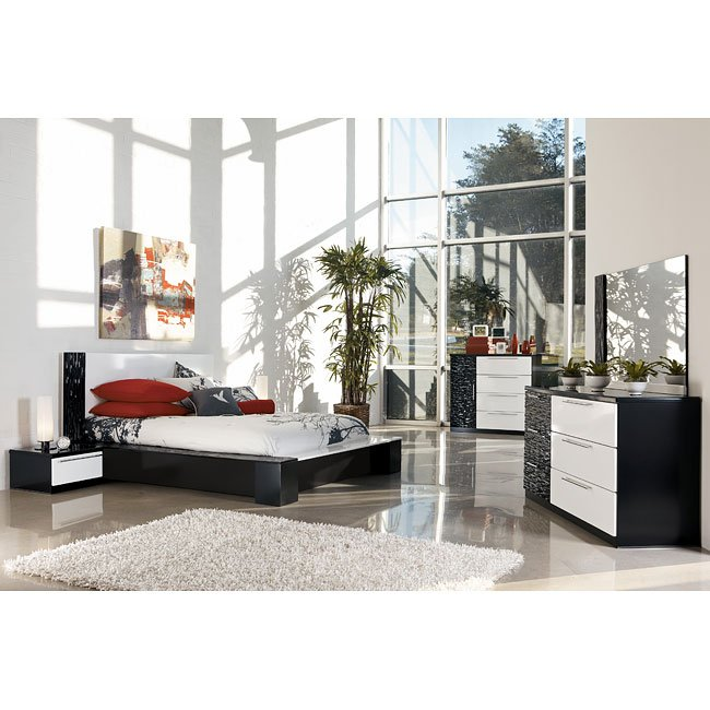 Piroska Platform Bedroom Set Signature Design By Ashley Furniture Furniturepick