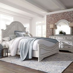 South Coast Poster Canopy Bedroom Set By Millennium